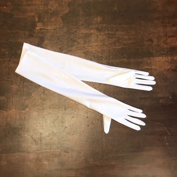 Accessories - White Gloves